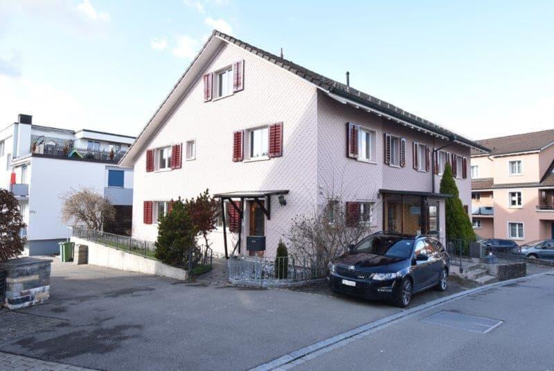 Eckhaus an zentraler Lage in Aadorf