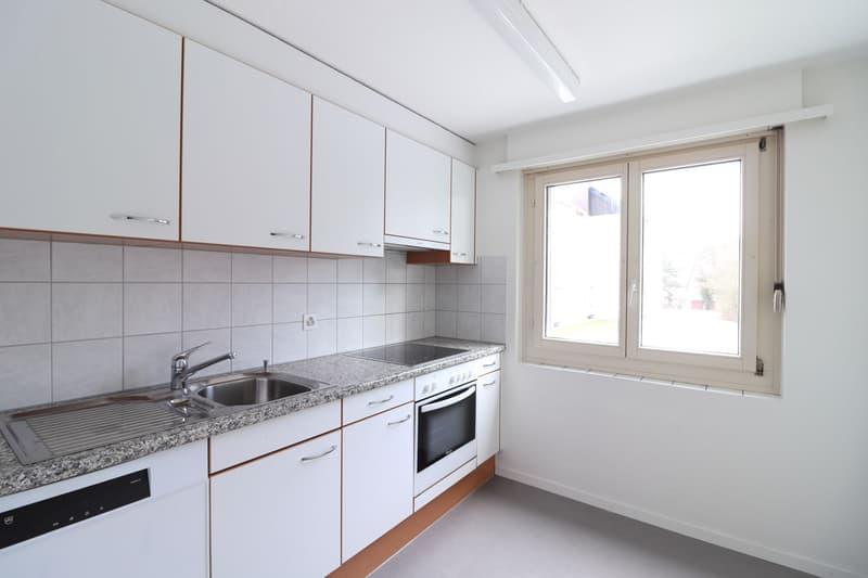 Helle Wohnung mit gedecktem Balkon