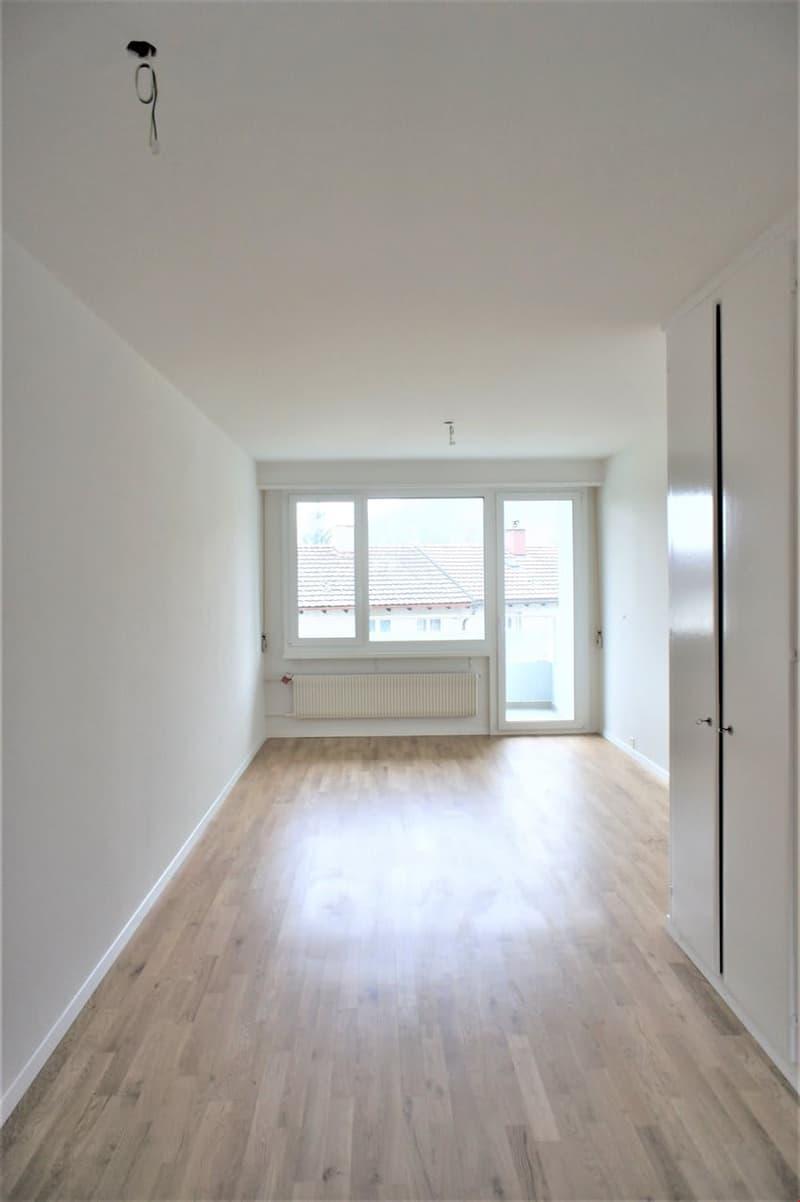 Wohn- / Esszimmer mit Balkonzugang