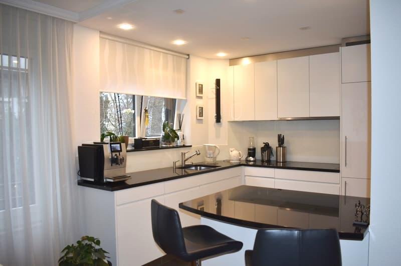 Neuwertige, moderne 4- Zi. Wohnung im Herzen vom Gellert inkl. Garagenplatz