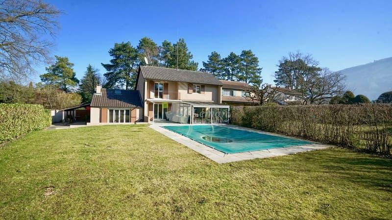 Nouveauté - Maison avec piscine dans un quartier de villas à Vessy