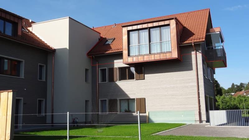 TOP Ausgebaute, einmalige Dachwohnung mit Seesicht