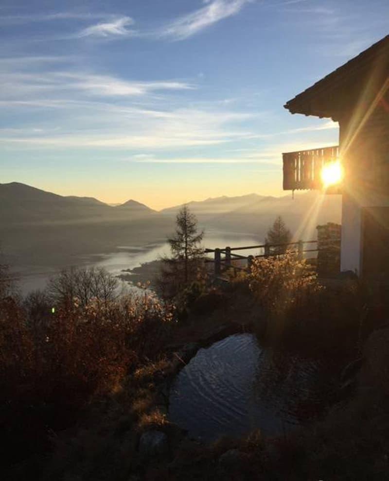 Stupendo charme Chalet Rustico Tessin vista magnifica!
