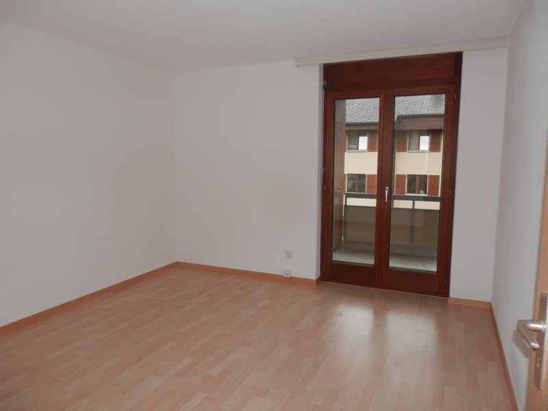 5 1/2 - Zimmerwohnung, sonnige Lage, mit 2 Autoeinstellplätzen (4)