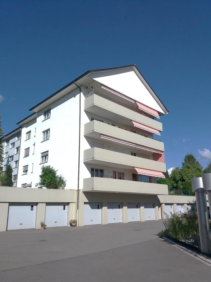 Gepflegte und helle 3.5 Zimmerwohnung im 2. Stock zu vermieten