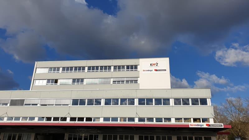 Grosse Werbefläche an der Fassade