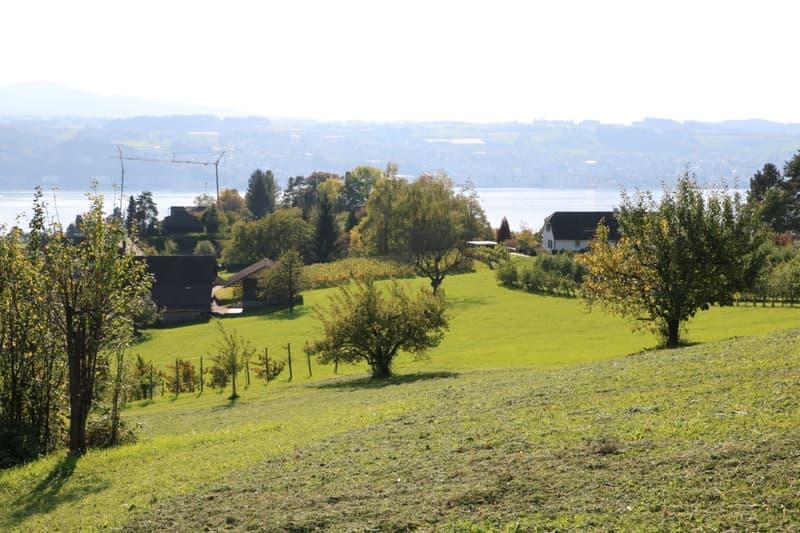 Kleine Villa mit grandioser Berg- und Seesicht