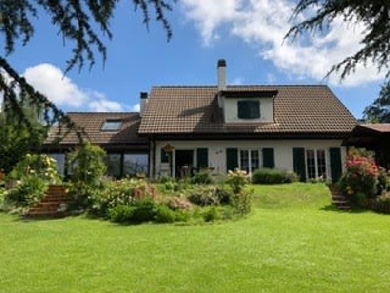 Villa individuelle avec un jardin d'hiver à Epalinges!