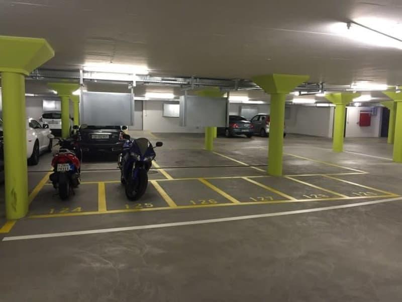 Motorradparkplätze zu vermieten