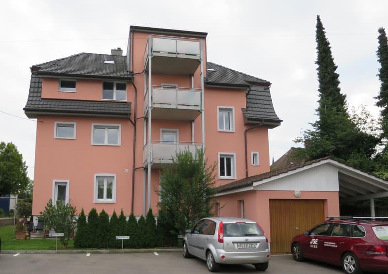 *** Wunderschön charmante 2.5 Zimmer Dachwohnung mit Balkon ***