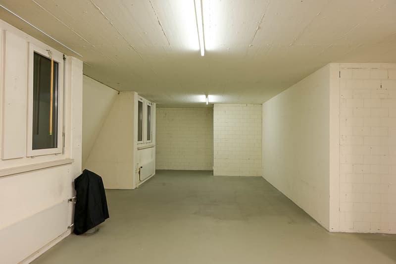 heller Lager-/Archiv- oder Bastelraum im Zentrum von Zürich