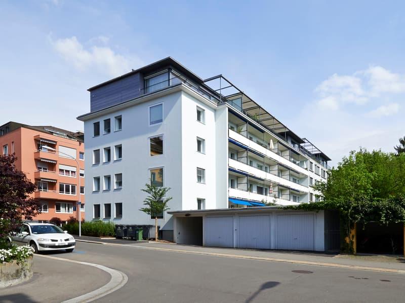 Auto- oder Motorradeinstellplätze in Hottingen zu vermieten!
