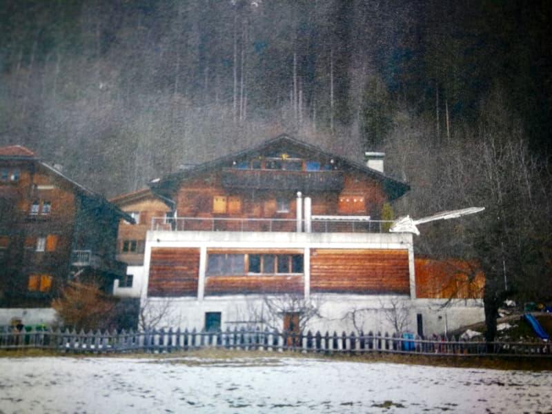 Wohnung in älterem Holzhaus