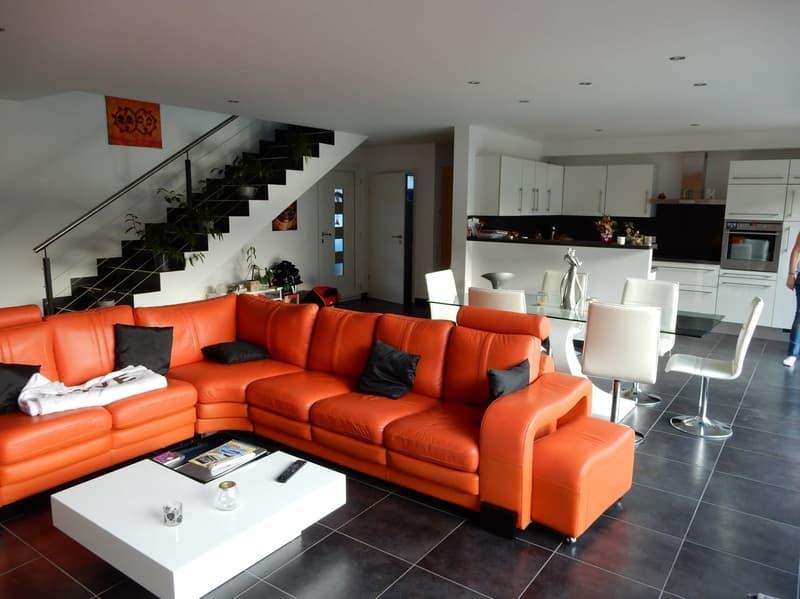 Superbe villa contigüe de 5.5 pces