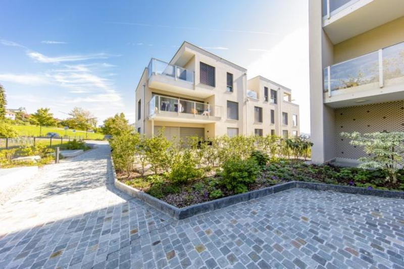 Traumhafte 2.5 Zimmerwohnung mit grüner Umgebung im Erdgeschoss (1)