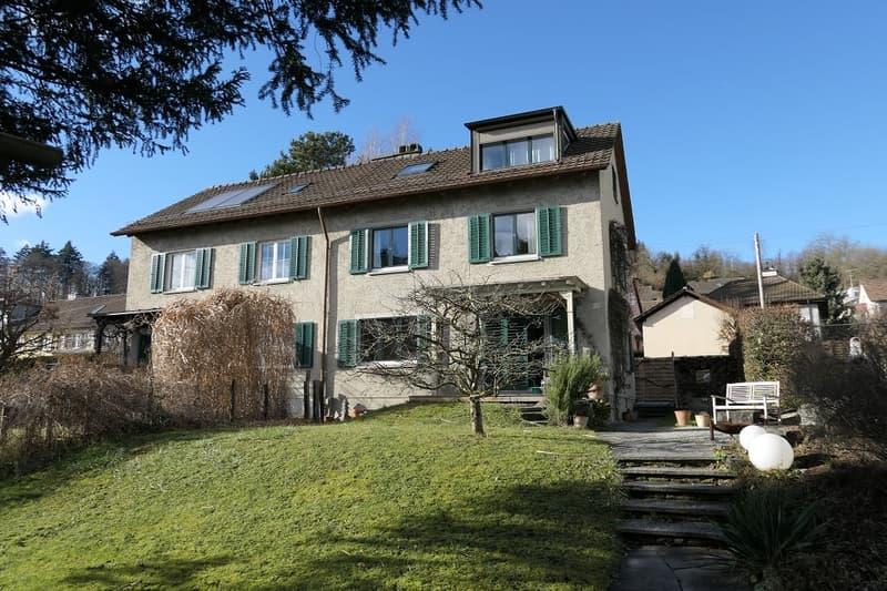 Wunderschönes 5.5 Zimmer-Doppeleinfamilienhaus mit ansprechendem Gartengrundstück