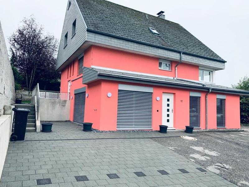 """?'Moderne 3.5 Zimmer Wohnung an ruhige Lage"""""""