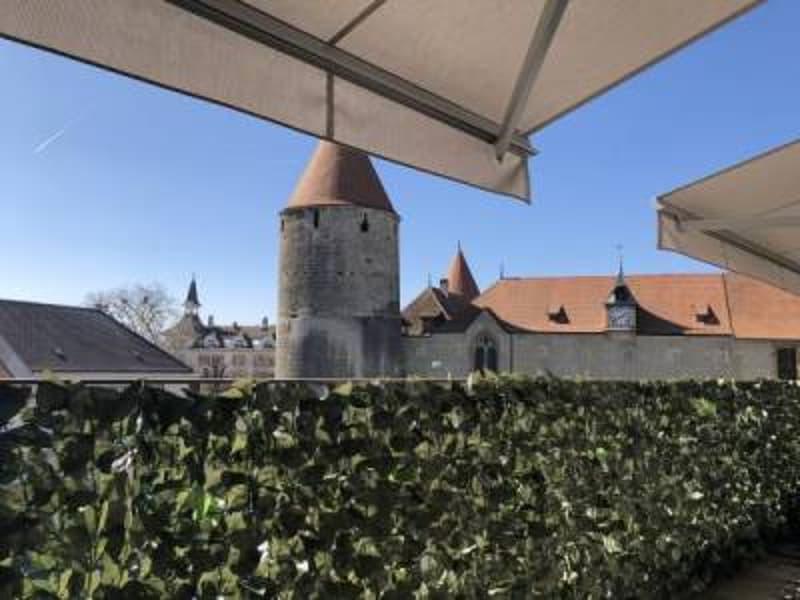Vue château - Magnifique appartement à remettre rapidement (1)