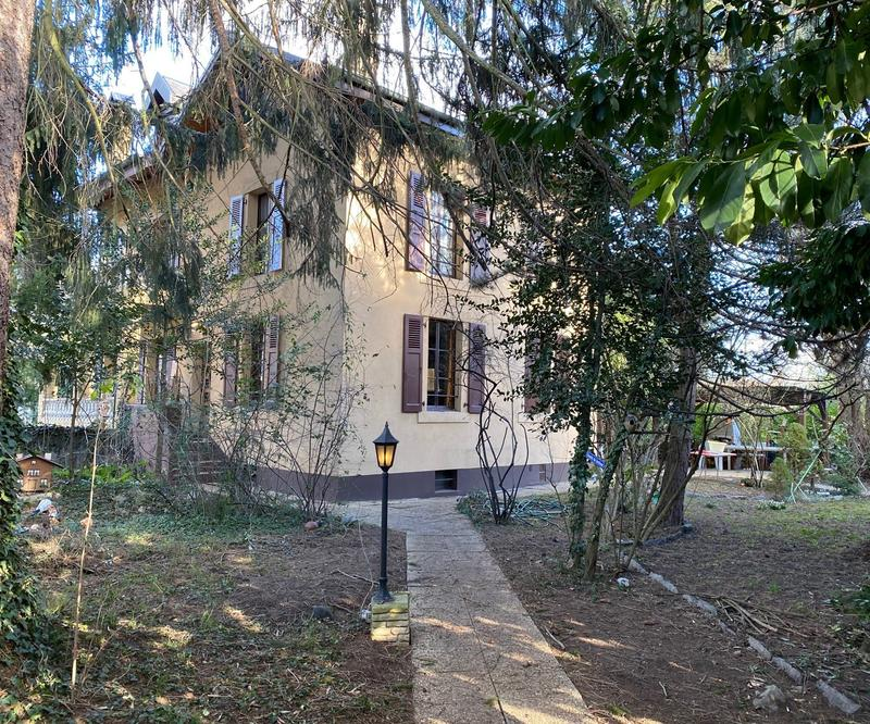 Chêne-Bougeries, maison mitoyenne avec verdure et calme absolu