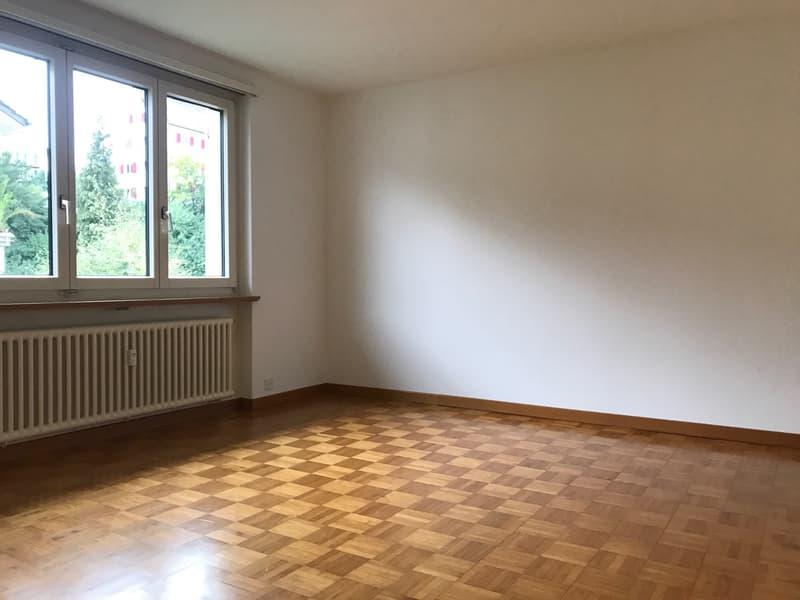 Zentrale Lage, Nähe Kantonsspital (4)