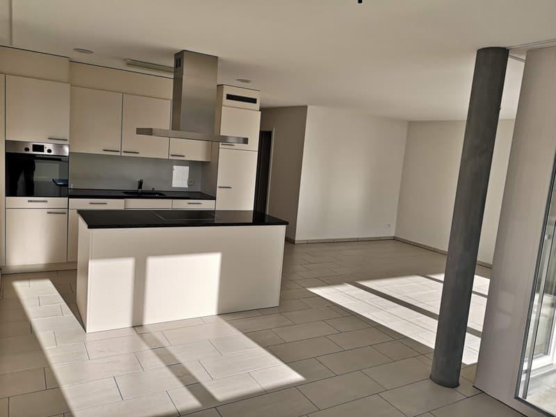 Moderne 3.5 Zimmer-Wohnung im Minergie -P- Standard mit verglastem Balkon