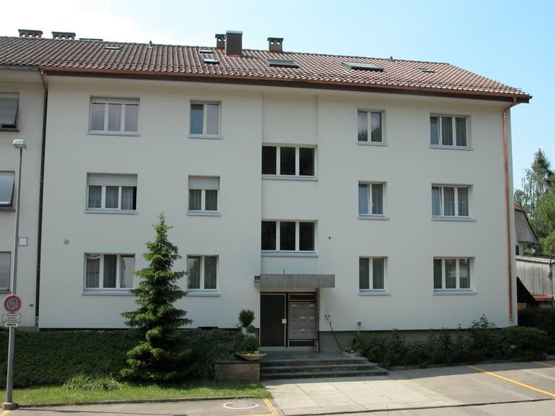 Moderne 3.5-Zimmerwohnung mit grossem Balkon