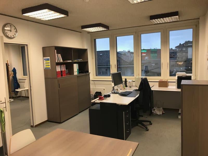 Büroräumlichkeiten im Zentrum von Mutschellen (2)