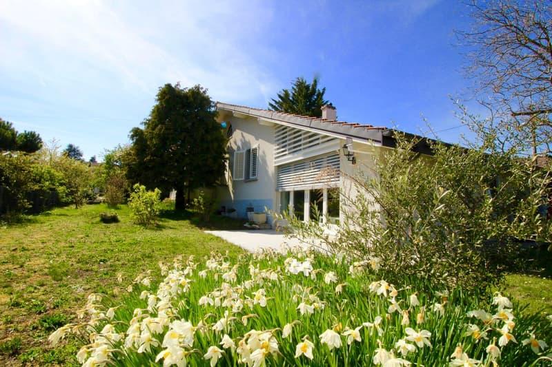 Maison individuelle avec studio indépendant.