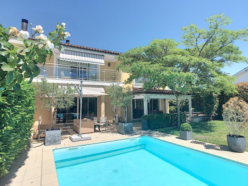Ravissante villa avec piscine