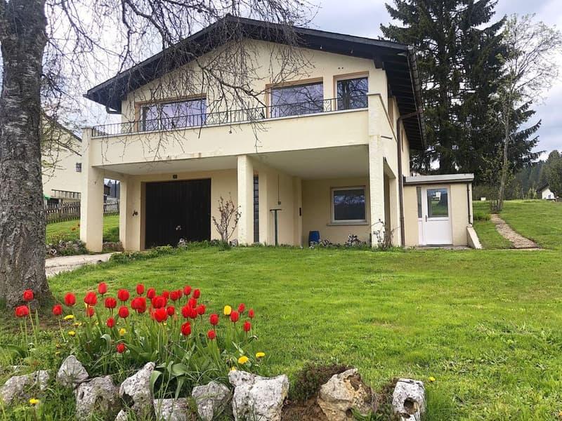 A LOUER Maison individuelle entièrement rénovée avec garage