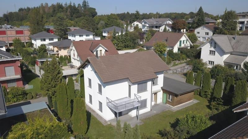 Freistehendes Einfamilienhaus mit Garten