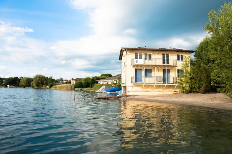 Einmalige Wohnung direkt am See