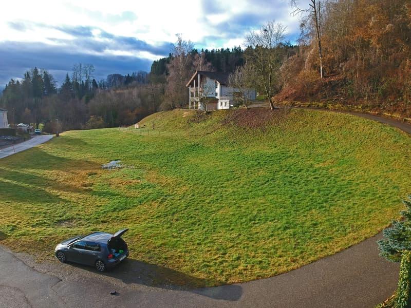Ruhig gelegenes und interessantes Bauland / 3452 m² in Zone W2