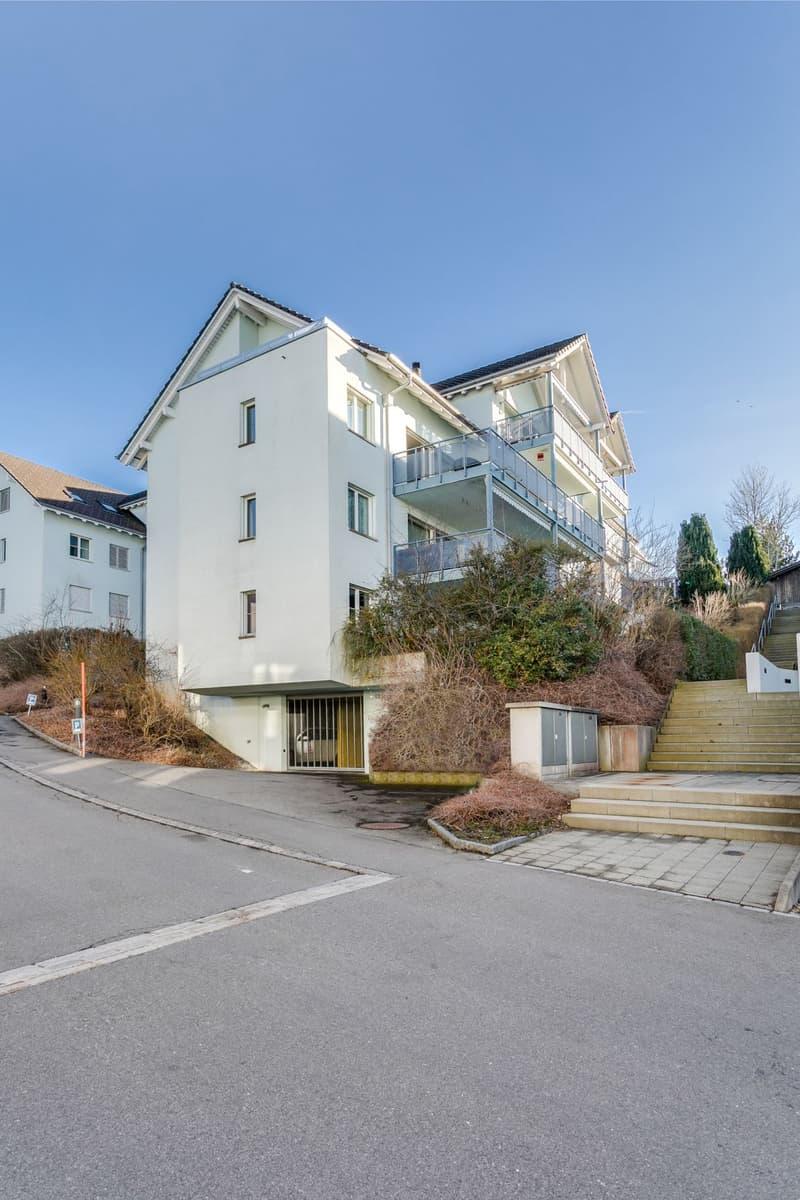 5.5-Zimmer-Wohnung mit Aussicht ins Grüne und separatem Hobbyraum (1)