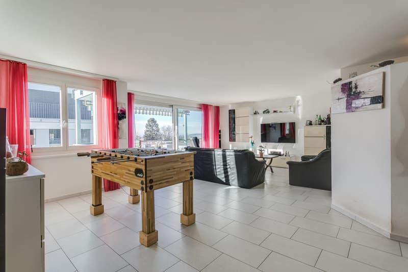 5.5-Zimmer-Wohnung mit Aussicht ins Grüne und separatem Hobbyraum (2)