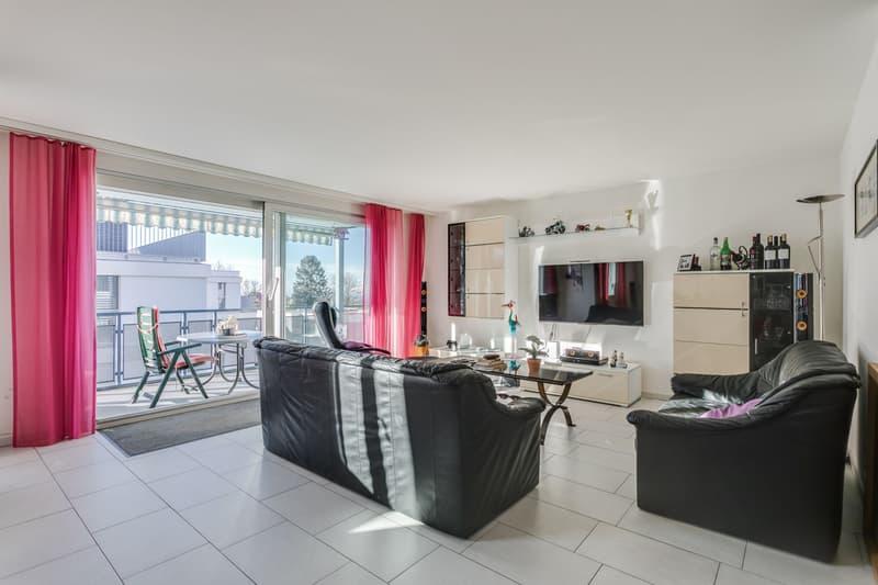5.5-Zimmer-Wohnung mit Aussicht ins Grüne und separatem Hobbyraum (3)