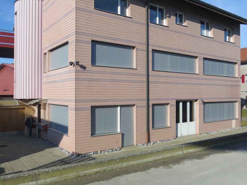 Fertig ausgebaute Räume für Büro oder für Gewerbezwecke einsetzbar (1)