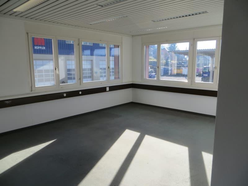 Fertig ausgebaute Räume für Büro oder für Gewerbezwecke einsetzbar (4)