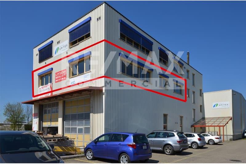 Helle Büros - unterteilt - mit Küche/Aufenthaltsraum, Totalfläche ca. 188 m²