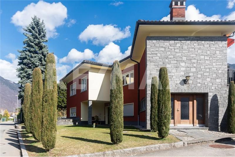 4½-Zimmer-Haus an ruhiger Lage mit Einlieger-Wohnung / Villetta in posizione tranquilla