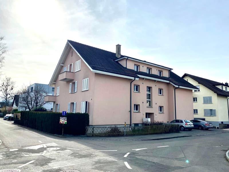 3-Zimmer-Dachwohnung mit Sicht auf die Berner Alpen!