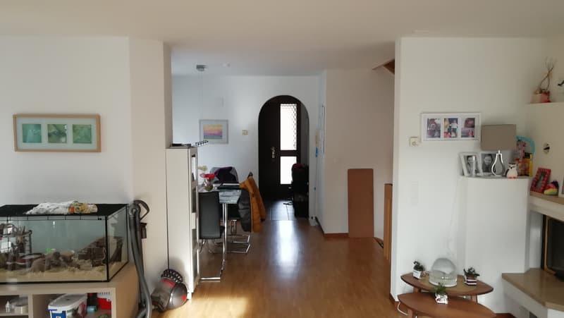 4.5-Zimmer-Reihen-Einfamilienhaus im Erd- und Obergeschoss