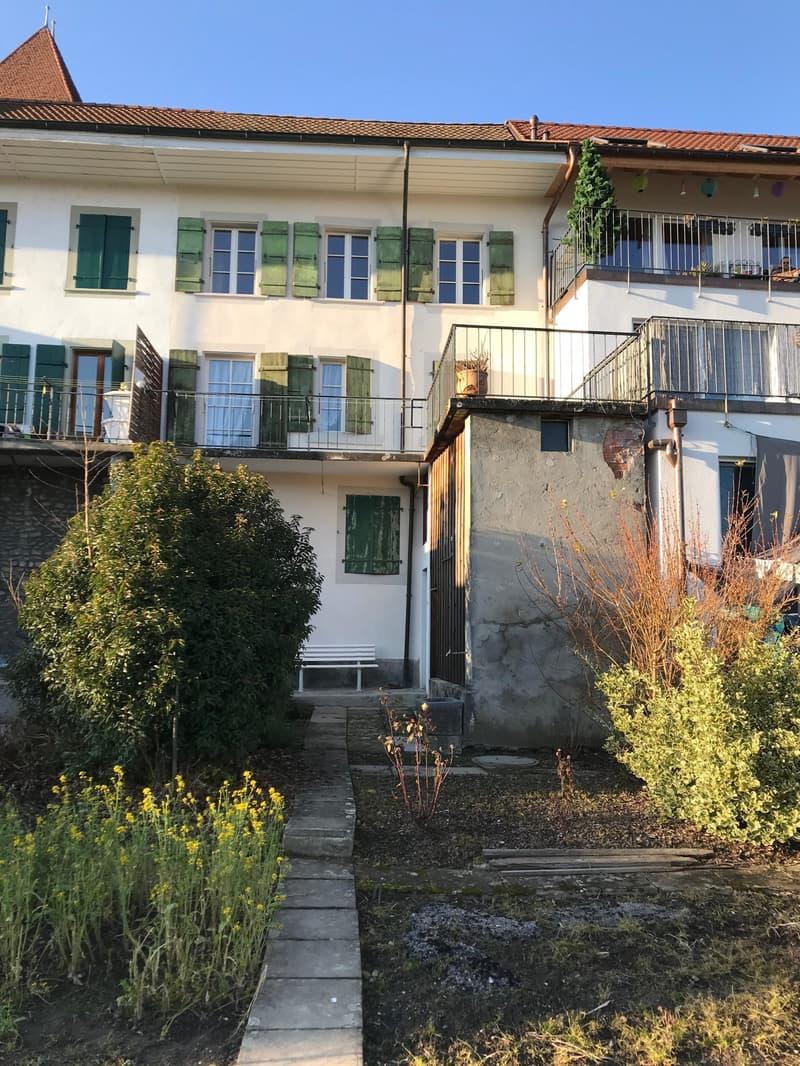 Maison dans la ville (1)