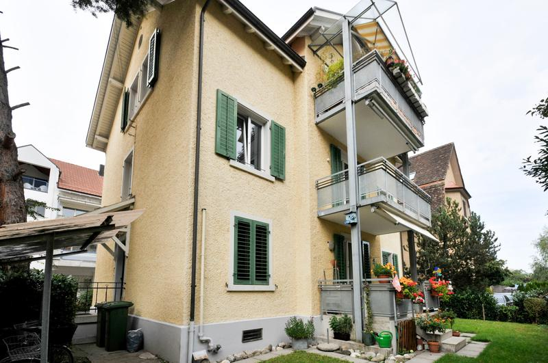 Moderne 4-Zimmer Wohnung mit Balkon (1)