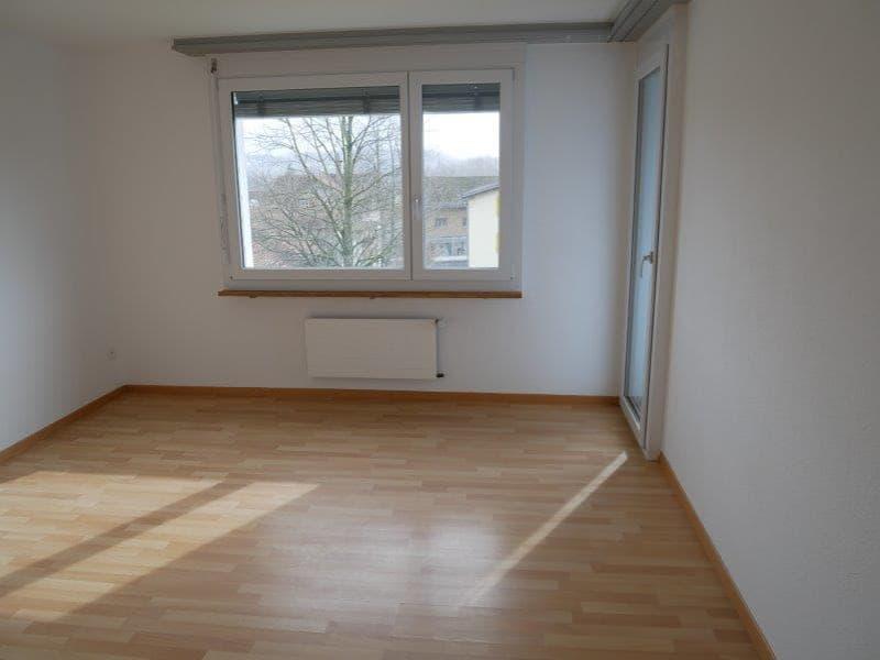 grosse helle 4 Zimmer Wohnung im netten Familienhaus mit schönem Aussicht! (3)