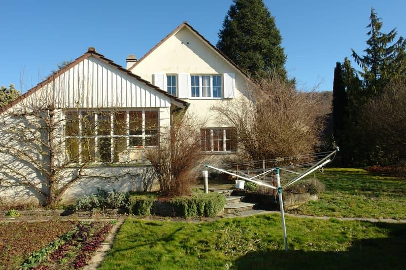 Freistehendes Einfamilienhaus in der Gemeinde Brugg (2)