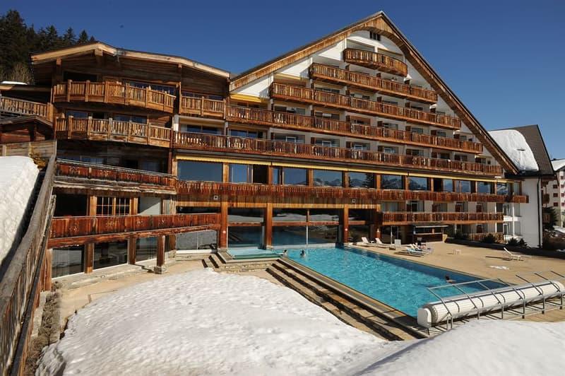 Superbe studio à louer à l'année ou à la saison avec dans un superbe hôtel 4 étoiles à Crans !