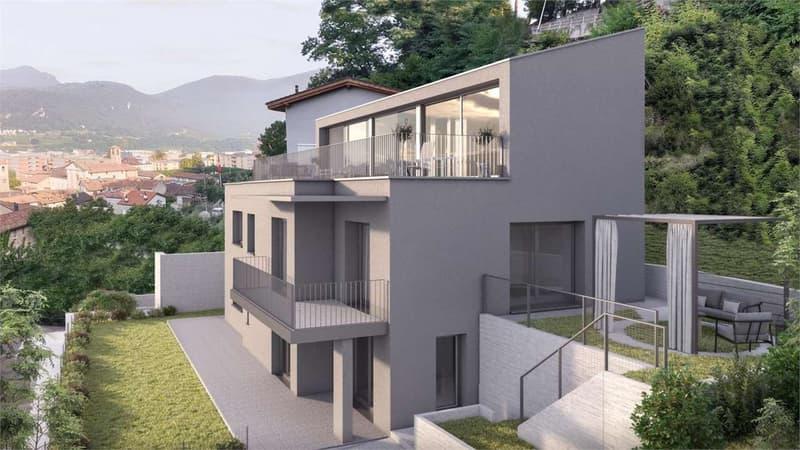Generosa Villa con Giardino Privato e 3 Posteggi (1)