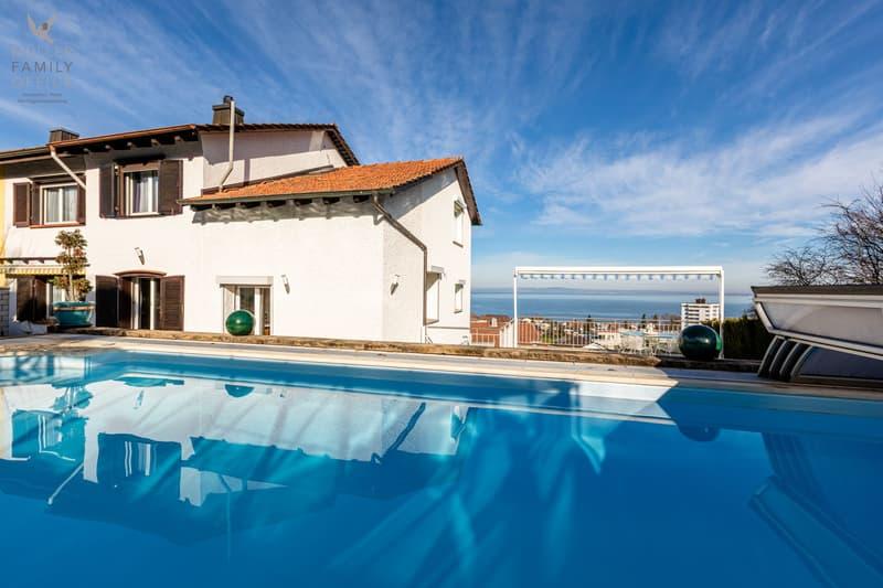Schönes 6 1/2 Zimmer-Doppel-Einfamilienhaus mit traumhafter Seesicht und schöner Poolanlage