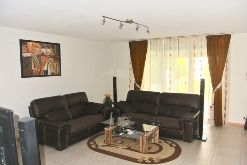 Joli appartement villa avec véranda et jardin dans un quartier familial (2)